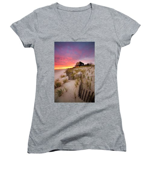 Wainscott Sunset Women's V-Neck T-Shirt