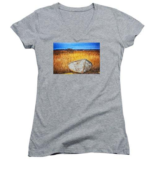 Waiting For Summer Women's V-Neck T-Shirt