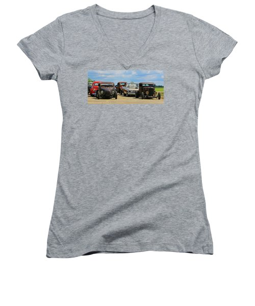 Waiting In Line Women's V-Neck T-Shirt