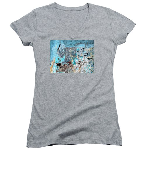 Women's V-Neck T-Shirt (Junior Cut) featuring the photograph Wall Abstract 211 by Maria Huntley