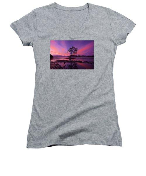 Wanaka Tree Women's V-Neck T-Shirt (Junior Cut) by Evgeny Vasenev