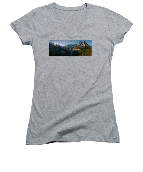 Washington Pass Rising Women's V-Neck (Athletic Fit)