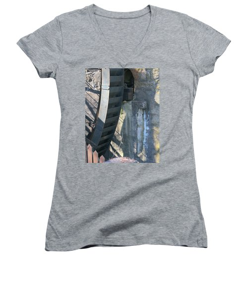 Water Mill Women's V-Neck