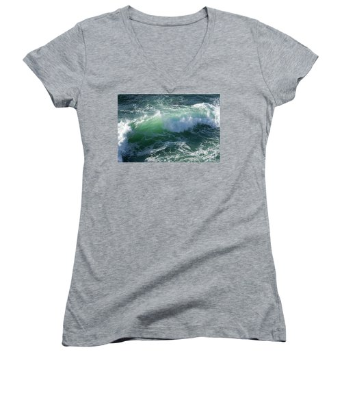 Wave At Montana De Oro Women's V-Neck T-Shirt (Junior Cut)
