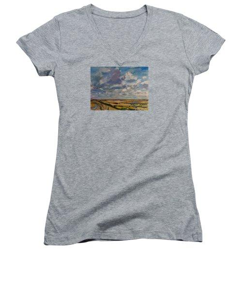 Skies Westward Women's V-Neck T-Shirt