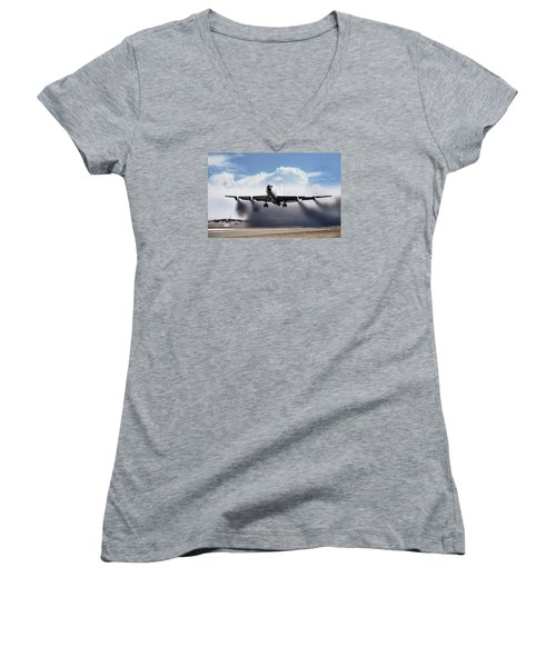 Wet Takeoff Kc-135 Women's V-Neck T-Shirt