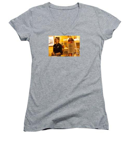 Whisky Tasting Women's V-Neck T-Shirt