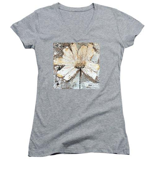 White Daisy Women's V-Neck T-Shirt (Junior Cut)
