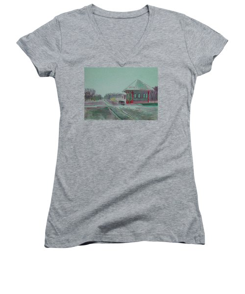 Whitewater Rail Station Women's V-Neck T-Shirt