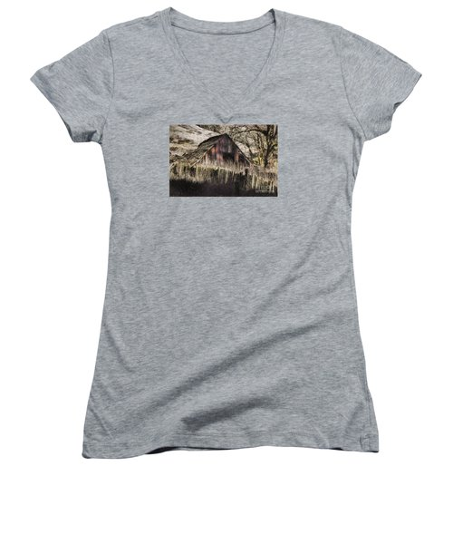 Women's V-Neck T-Shirt (Junior Cut) featuring the photograph Willets Barn by Shirley Mangini