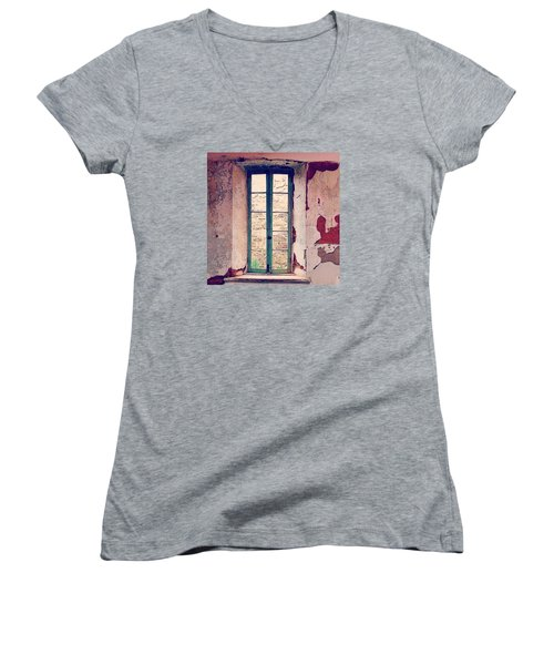 Window In Eastern State Pennitentiary Women's V-Neck T-Shirt (Junior Cut) by Sharon Halteman