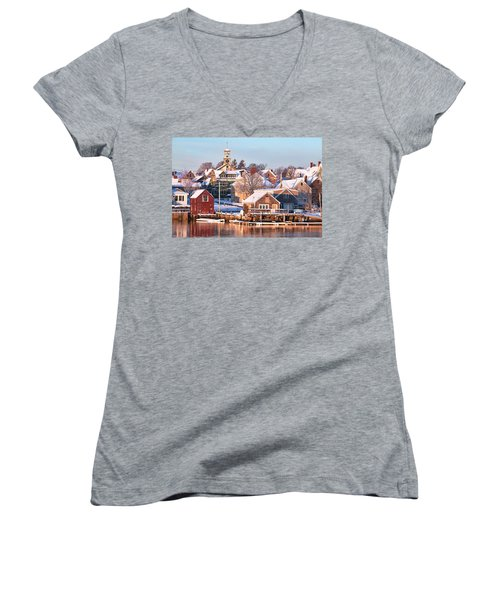 Winter Snowfall In Portsmouth Women's V-Neck T-Shirt