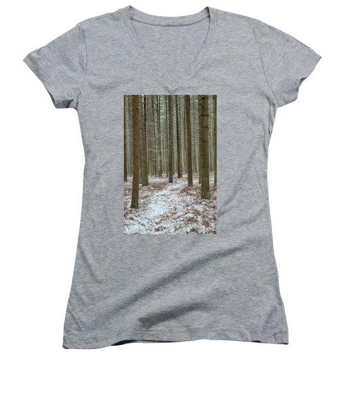 Winter's Trail Women's V-Neck