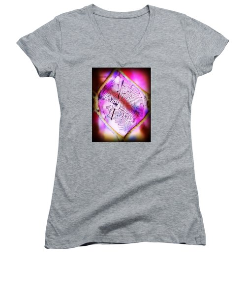 Woven Web Women's V-Neck T-Shirt