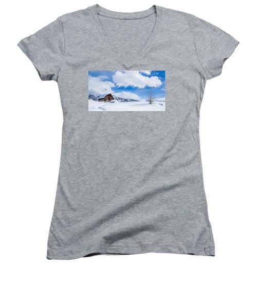 Yeehawww Women's V-Neck T-Shirt (Junior Cut)