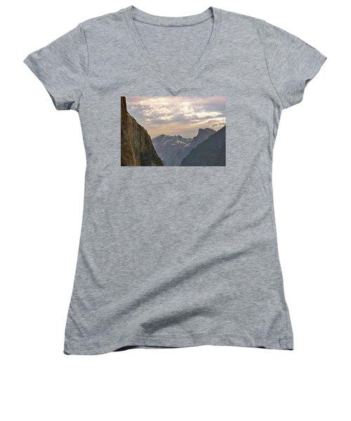 Yosemite Valley - Tunnel View Women's V-Neck T-Shirt