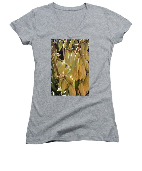 Yucca Bloom II Women's V-Neck