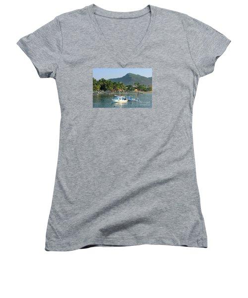 Zihwatanejo Beach Front Women's V-Neck T-Shirt