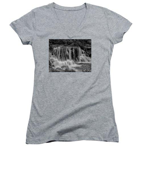 Blackwater Falls Mono 1309 Women's V-Neck