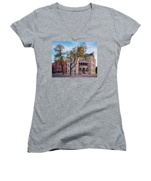 Architectural Photograph Of The Comal County Courthouse In Downtown New Braunfels Texas Hill Country Women's V-Neck