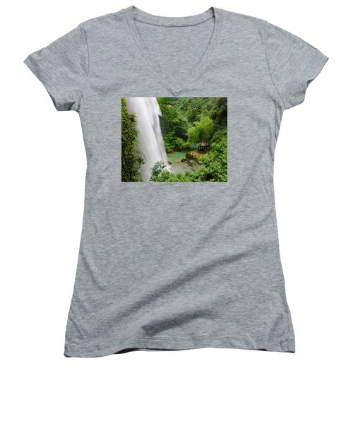 Baiyun Waterfall Women's V-Neck