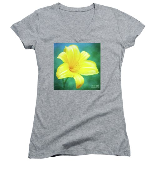 Buttered Popcorn Daylily In Her Glory Women's V-Neck