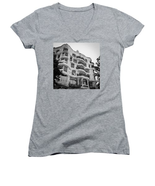 Casa Mila Women's V-Neck