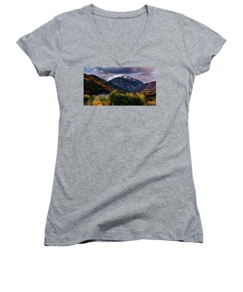 Cascade Mountain Women's V-Neck