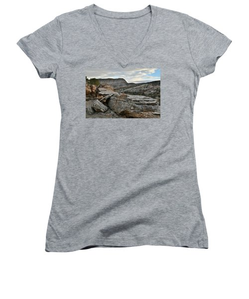 Colorful Overhang In Colorado National Monument Women's V-Neck