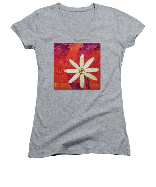 Delightful Daisy Women's V-Neck