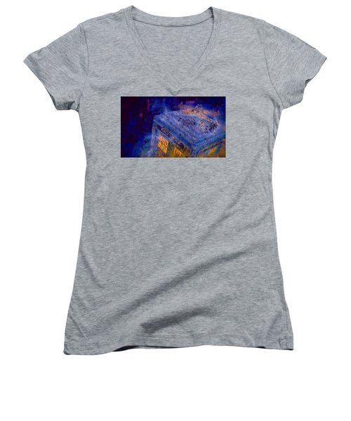 Doctor Who Tardis 2 Women's V-Neck