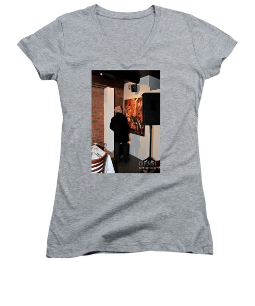 Exhibition - 08 Women's V-Neck