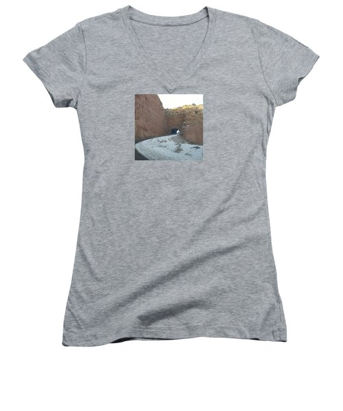 Hole In The Rock Women's V-Neck