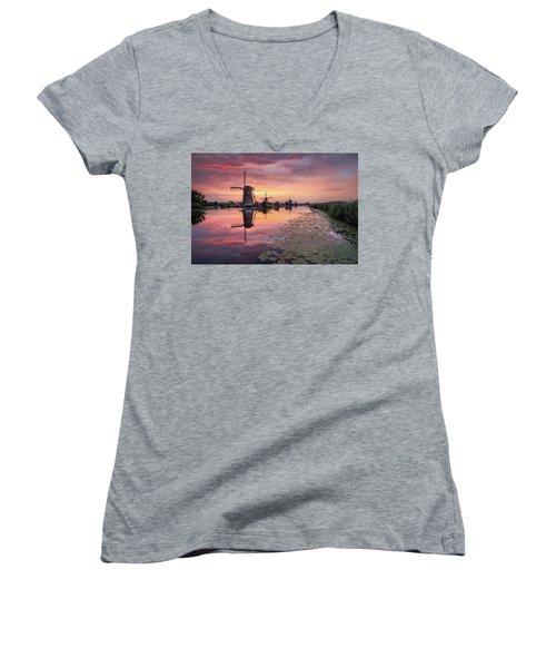 Kinderdijk Sunset Women's V-Neck