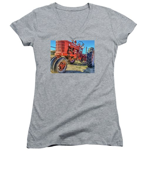 Mccormick Farmall Women's V-Neck