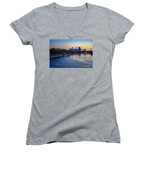 Minneapolis Skyline Women's V-Neck
