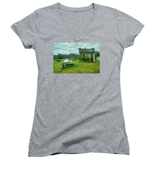 Auntie's Old House Women's V-Neck