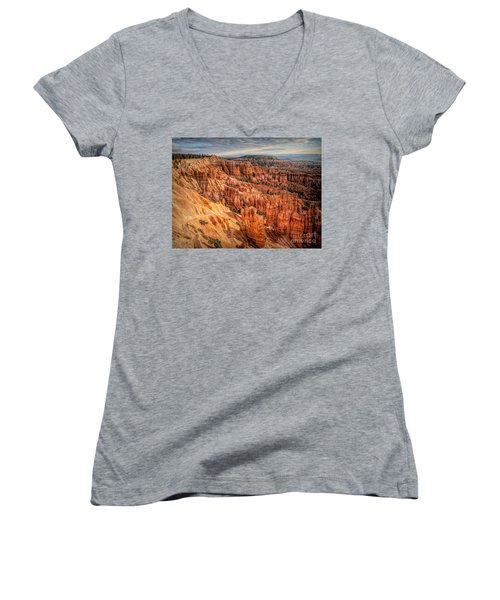 Panorama Bryce Canyon Utah  Women's V-Neck