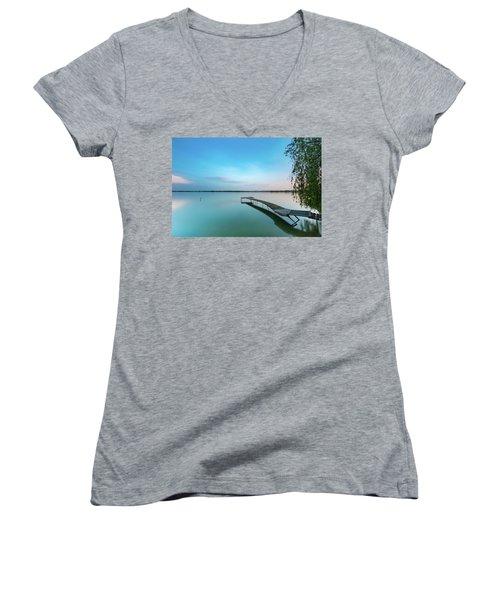 Peacefull Waters Women's V-Neck