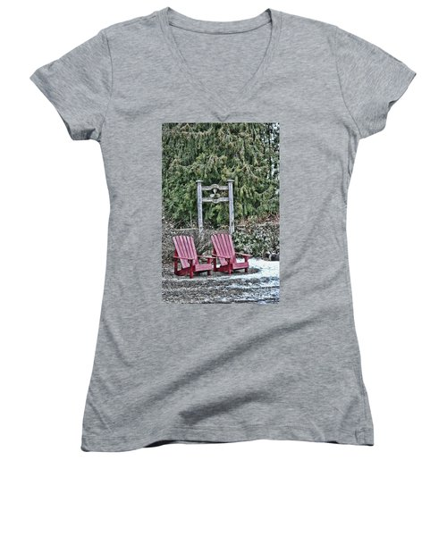 Prop Chairs Women's V-Neck