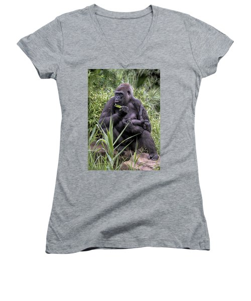 Proud Mama Silverback 6243 Women's V-Neck