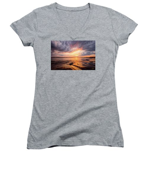 Reflect The Drama, Sunset At Fort Foster Park Women's V-Neck