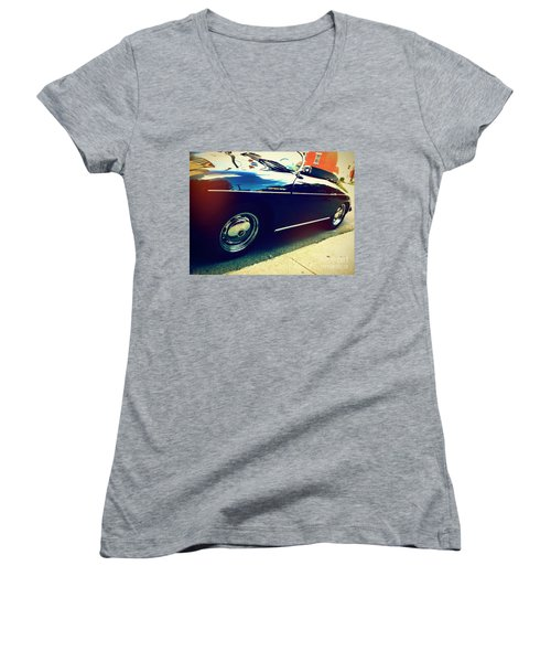 Speedster Women's V-Neck
