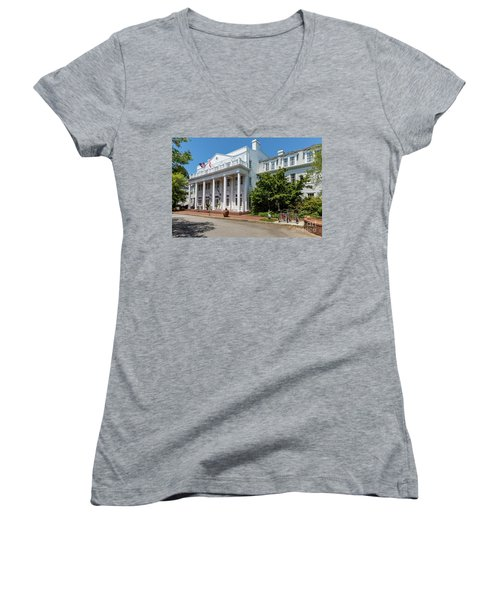 The Willcox Hotel - Aiken Sc Women's V-Neck