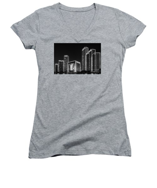 Tianjin Skyline Women's V-Neck