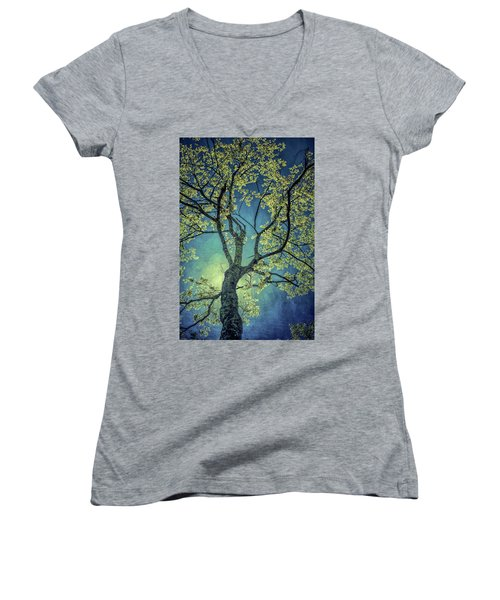Tree Tops 0945 Women's V-Neck