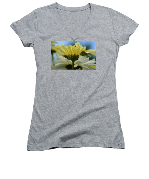 Yellow Daisy Women's V-Neck