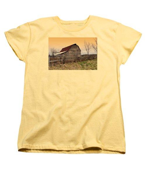 Women's T-Shirt (Standard Cut) featuring the photograph Ozark Barn 1 by Marty Koch