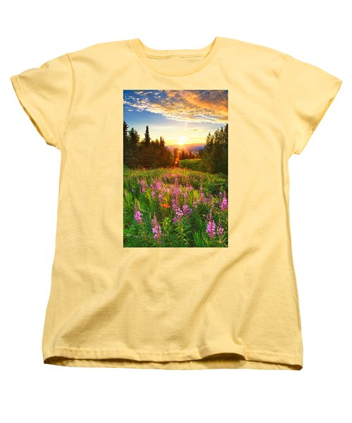 Alaska Field Women's T-Shirt (Standard Fit)