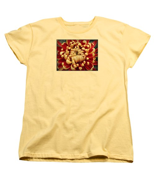 Chrysanthemum In Full Bloom Women's T-Shirt (Standard Cut)